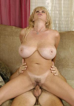 Cougar Hairy Pussy