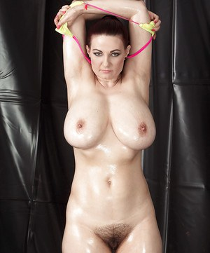 Hairy Oiled Pussy